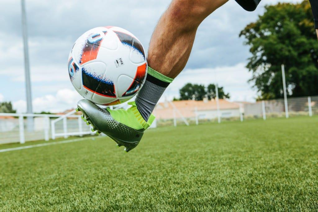shooting-chaussure-football-adidas-ACE16-PureCrontrol-Mercury-Pack-Euro-2016-Fracas-10-min