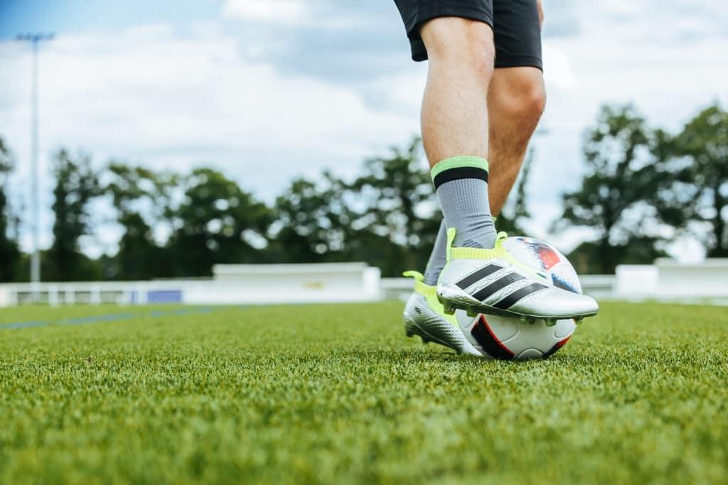 shooting-chaussure-football-adidas-ACE16-PureCrontrol-Mercury-Pack-Euro-2016-Fracas-14-min