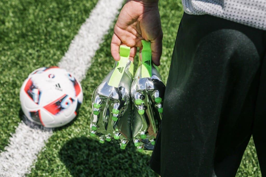 shooting-chaussure-football-adidas-ACE16-PureCrontrol-Mercury-Pack-Euro-2016-Fracas-3-min