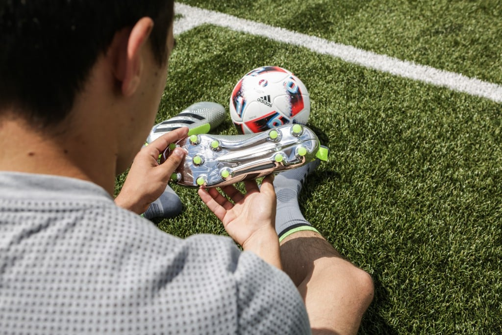 shooting-chaussure-football-adidas-ACE16-PureCrontrol-Mercury-Pack-Euro-2016-Fracas-5-min