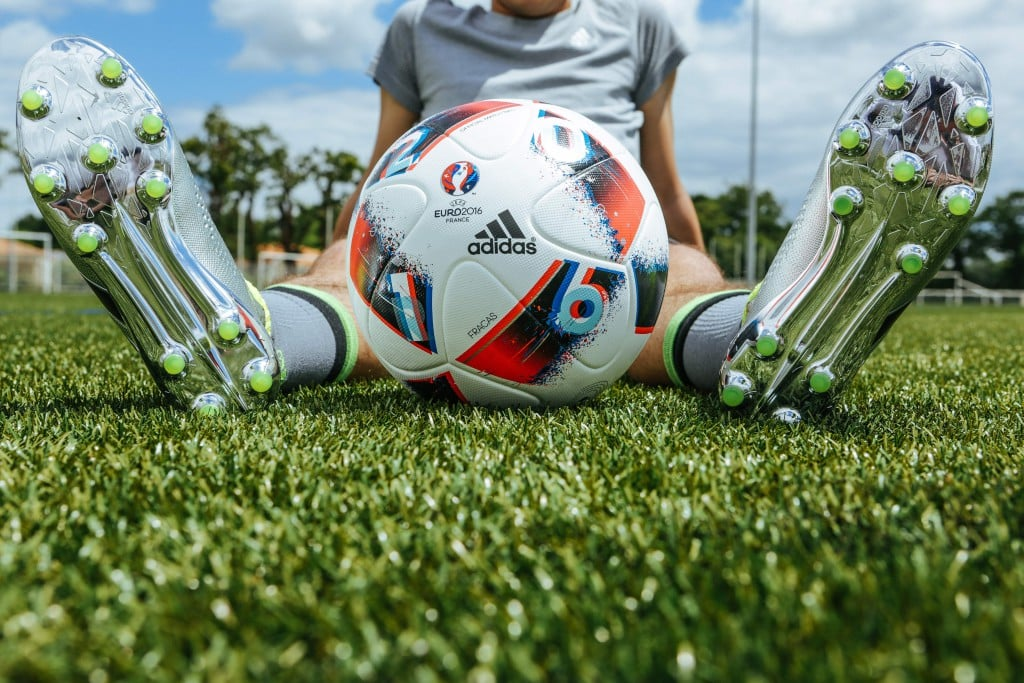 shooting-chaussure-football-adidas-ACE16-PureCrontrol-Mercury-Pack-Euro-2016-Fracas-6-min