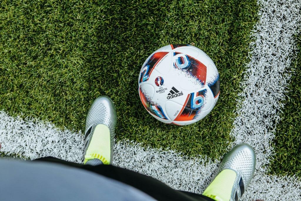 shooting-chaussure-football-adidas-ACE16-PureCrontrol-Mercury-Pack-Euro-2016-Fracas-7-min