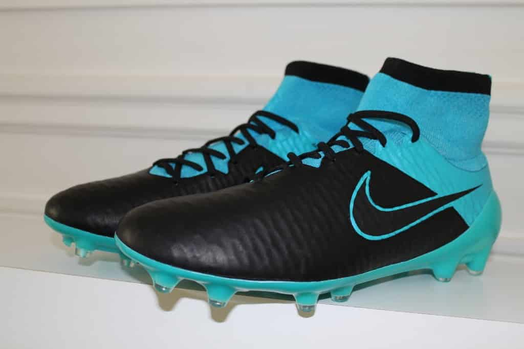 chaussures-football-Nike-Magista-Blue-Tech-Craft-2015-2 (1024x683)