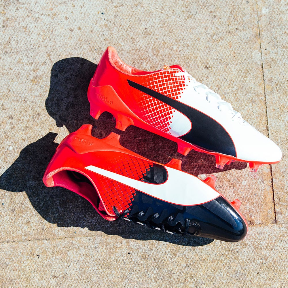 chaussures-football-puma-evospeed-tricks-blanc-rouge-3