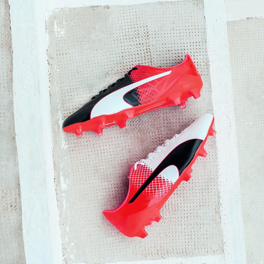 chaussures-football-puma-evospeed-tricks-blanc-rouge-4