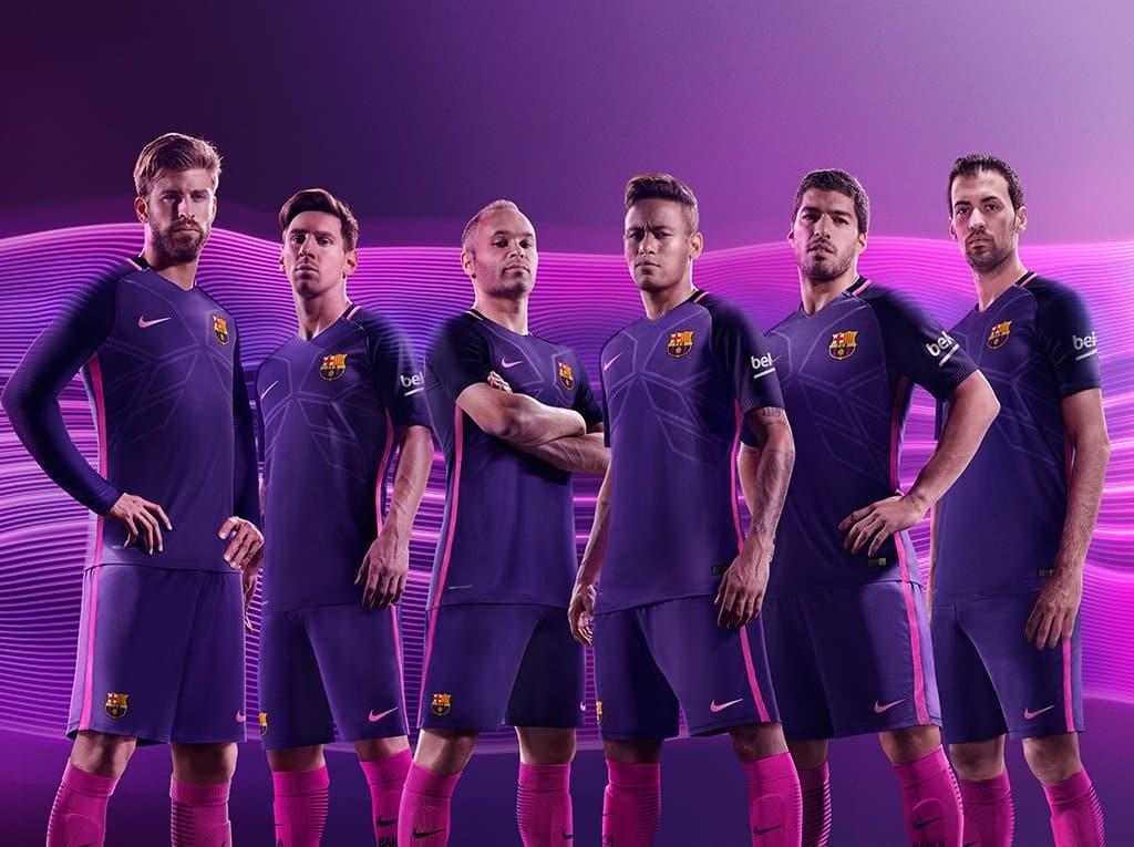 tenue de foot FC Barcelona nouveau