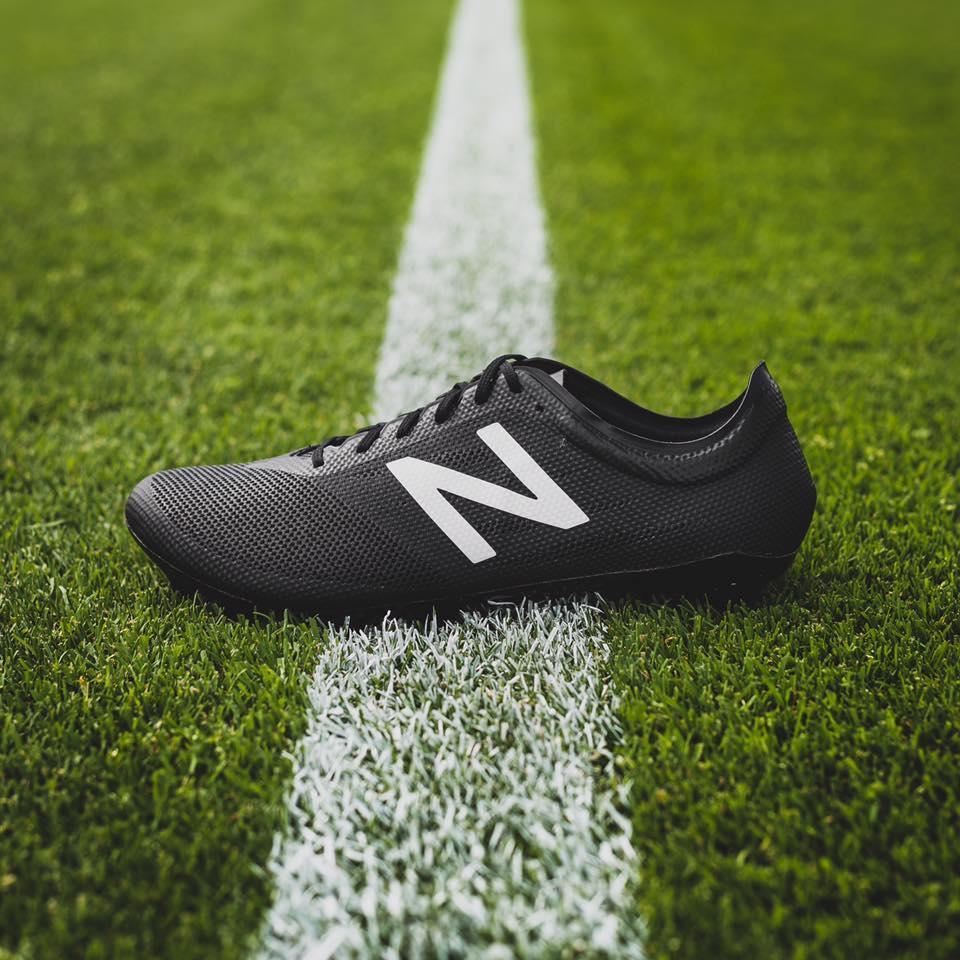 chaussure-football-new-balance-furon-noir-blanc-2016-2