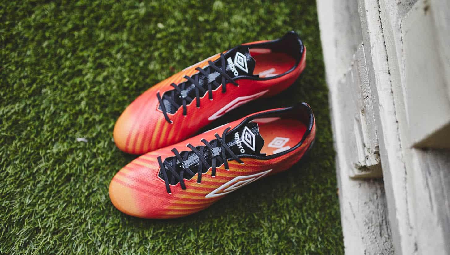 chaussure-football-umbro-velocita-II-grenadine-2