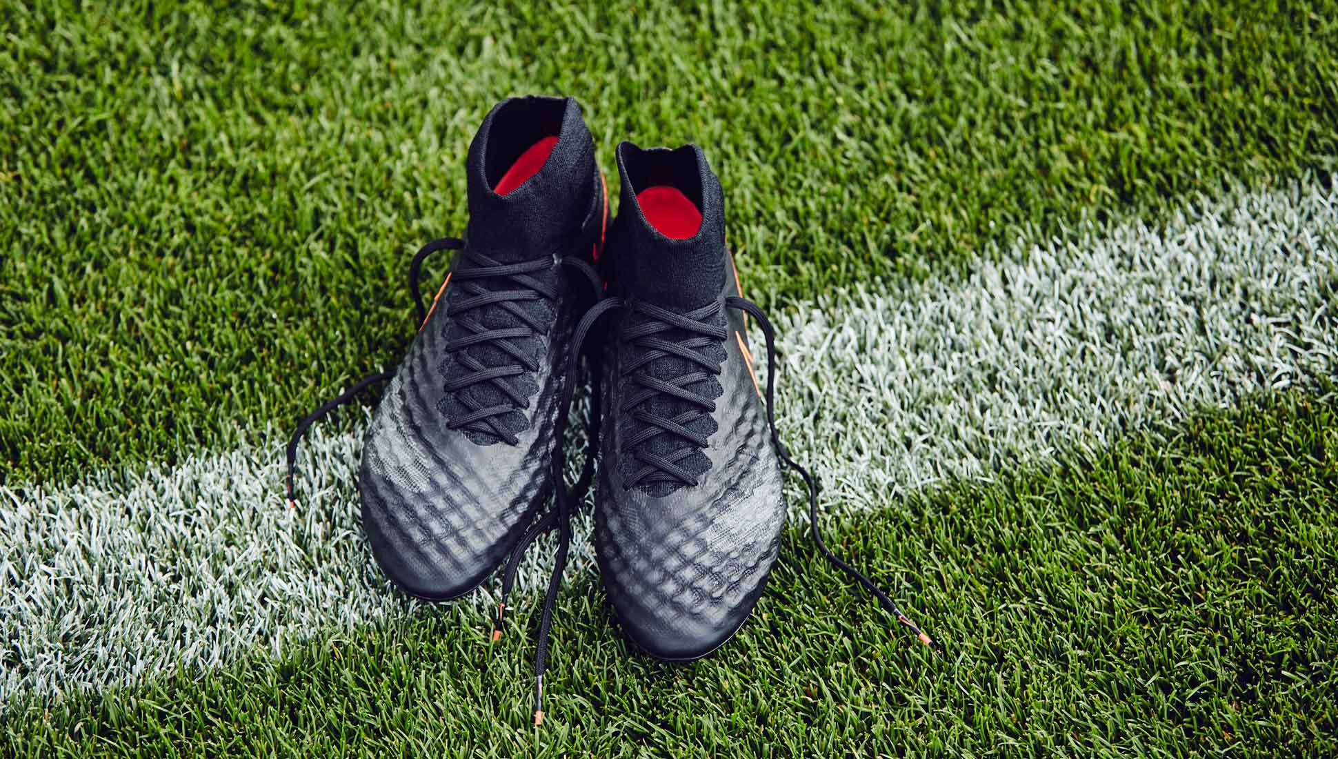 chaussures-football-nike-magista-2-obra-pitch-dark-1