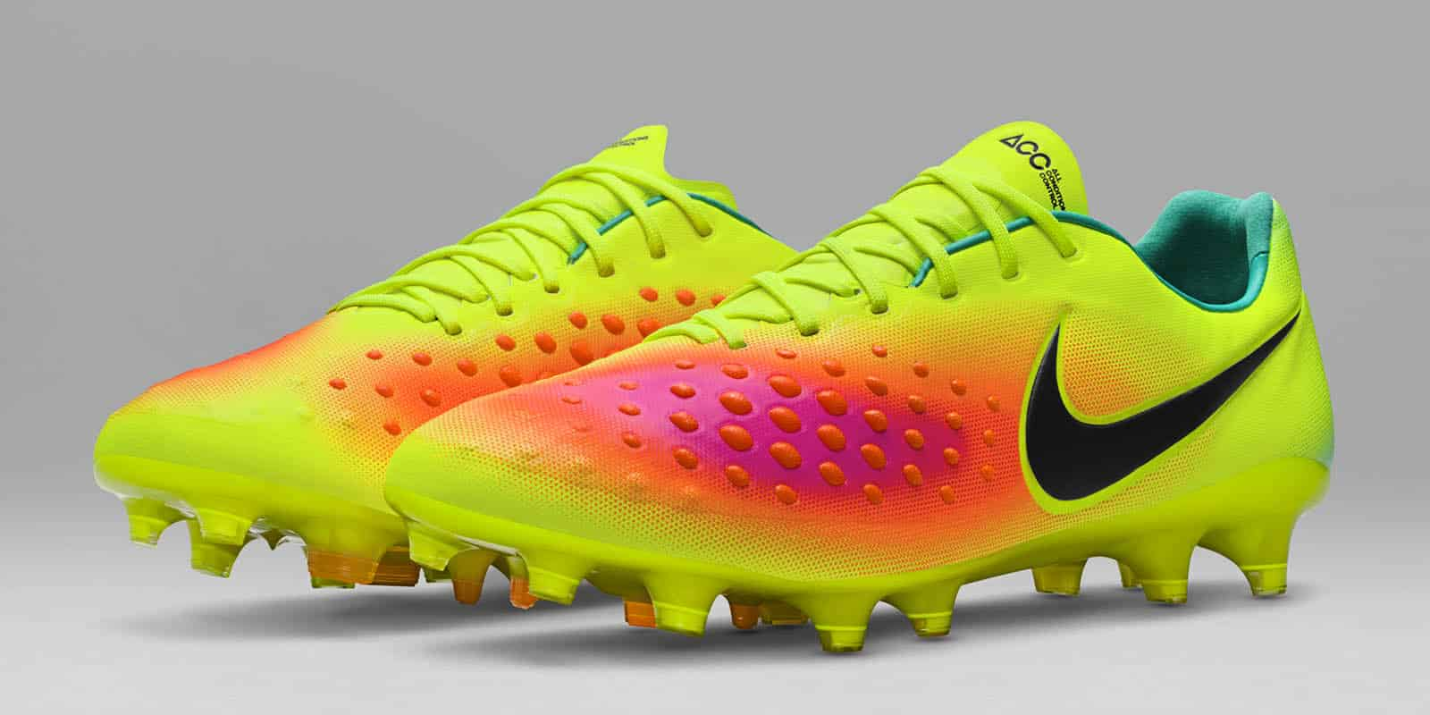 chaussures-football-nike-magista-opus-2