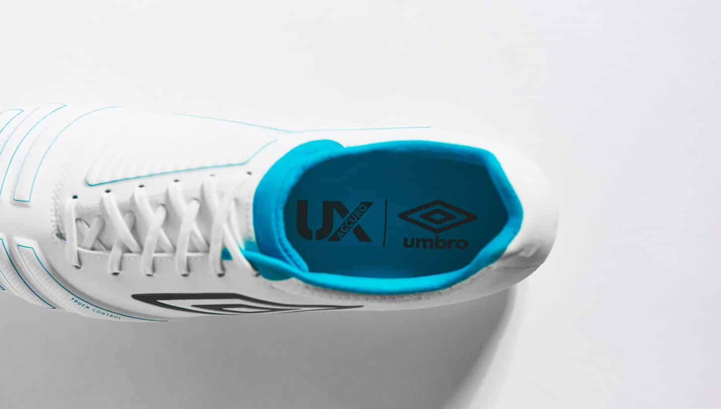 chaussures-football-umbro-accuro-white-blue-img4