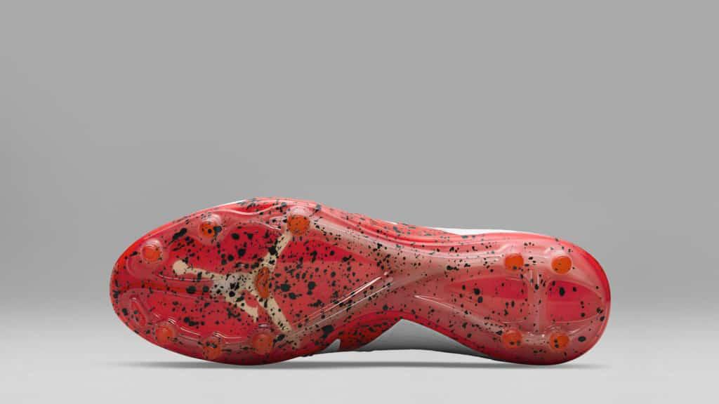 chaussure-foot-nike-hypervenom-neymar-jordan-blanc-octobre-2016-2
