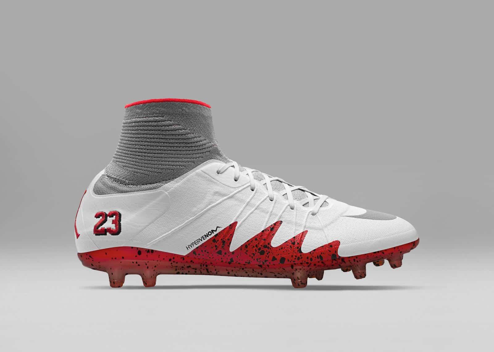 chaussure-foot-nike-hypervenom-neymar-jordan-blanc-octobre-2016