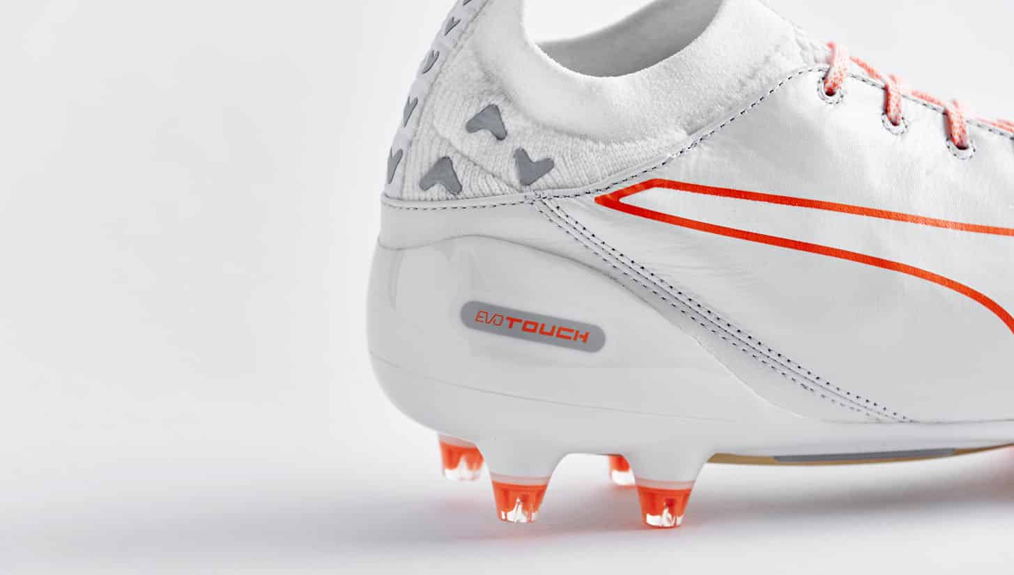 chaussures-football-puma-evotouch-blanc-orange-1