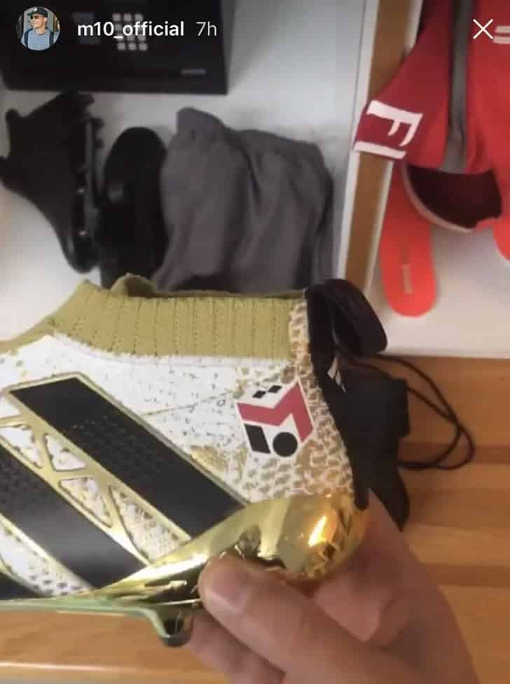 mesut-ozil-adidas-ace-16-purecontrol-arsenal-tottenham-derby