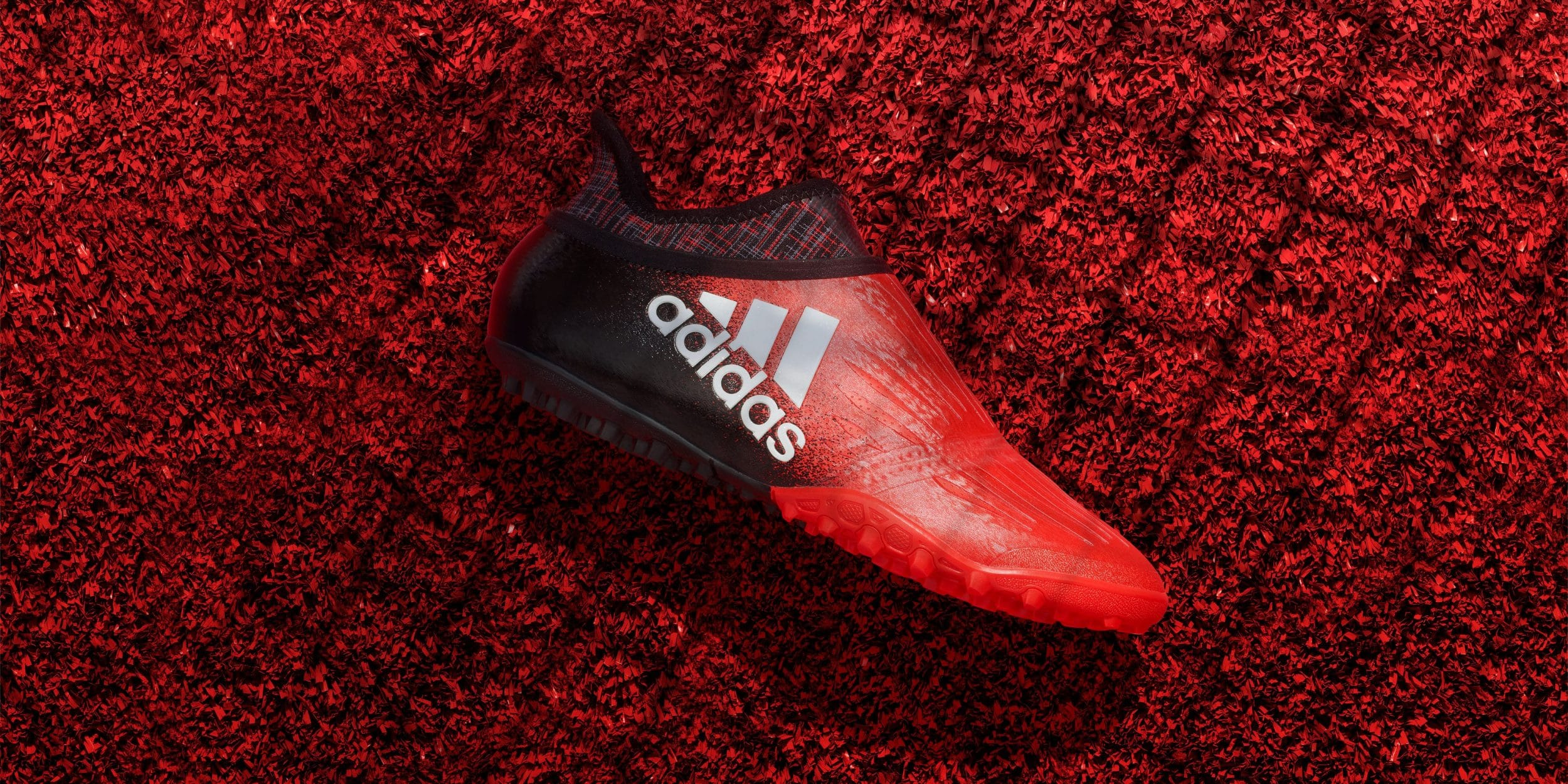chaussure-football-adidas-x16-red-limit-novembre-2016-cage