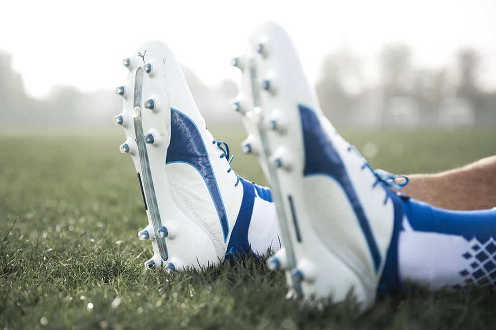 chaussure-football-puma-evotouch-bleu-blanc-novembre-2016