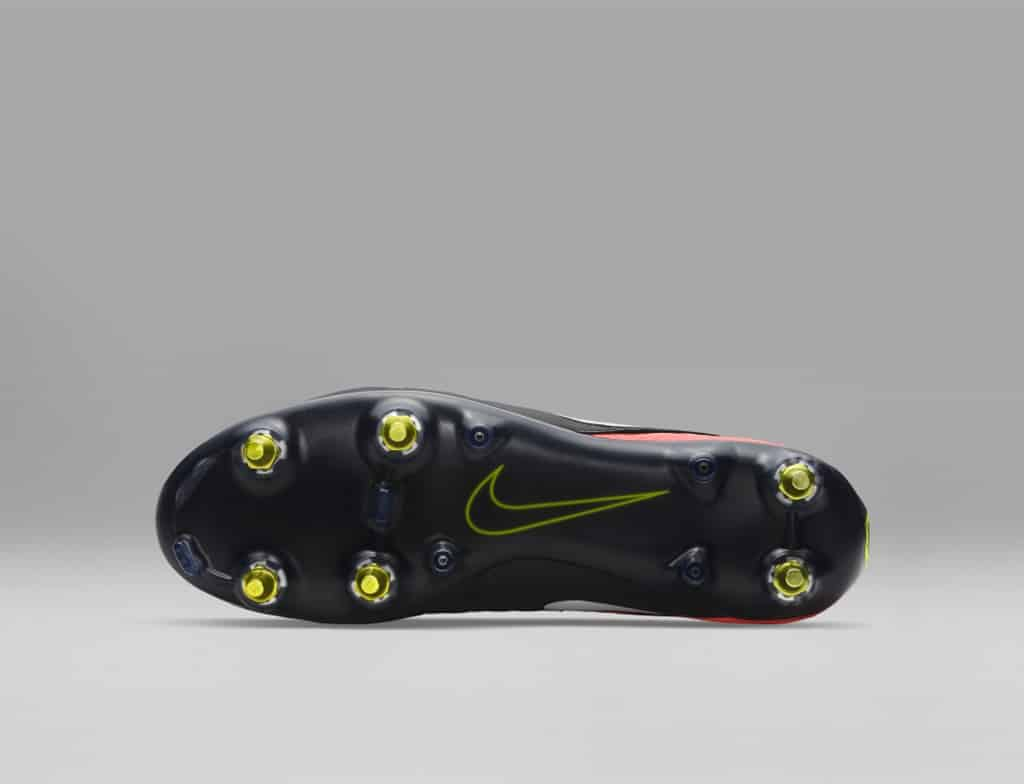 chaussures-football-nike-mercurial-superfly-5-dark-lightning-anti-clog-img2-1024x784