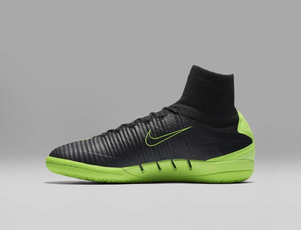 chaussures-football-nike-mercurialx-proximo-dark-lightning-img1-1024x784