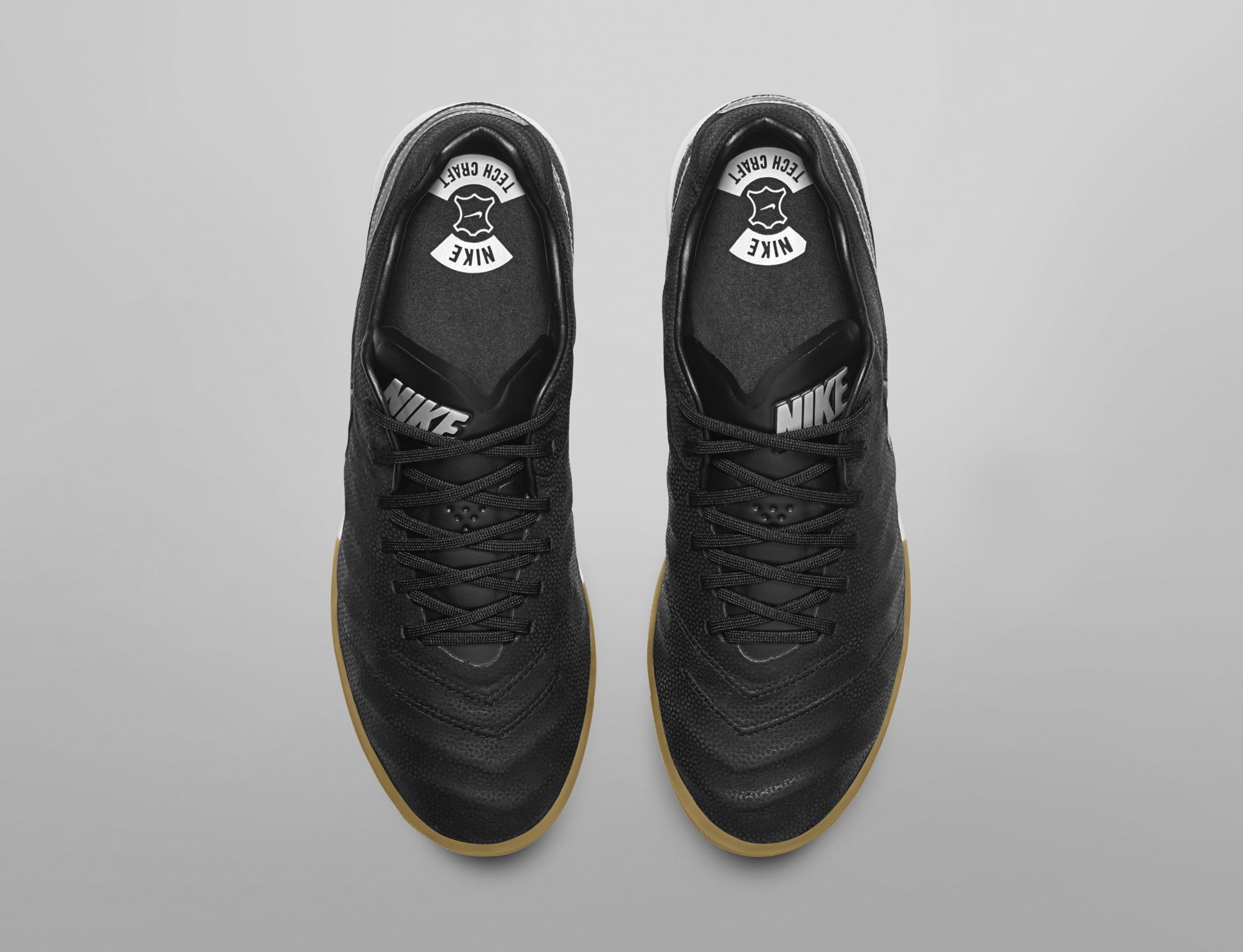 chaussures-football-nike-tiempox-tech-craft-img2