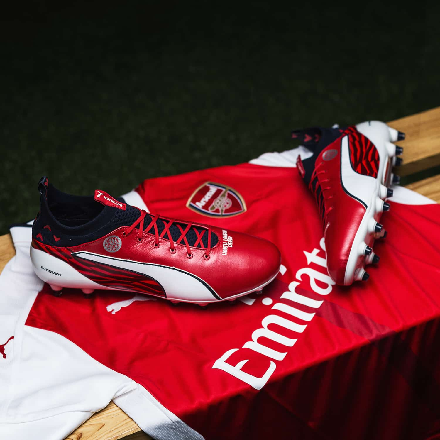 chaussures-football-puma-evotouch-cazorla-london-derby-img4