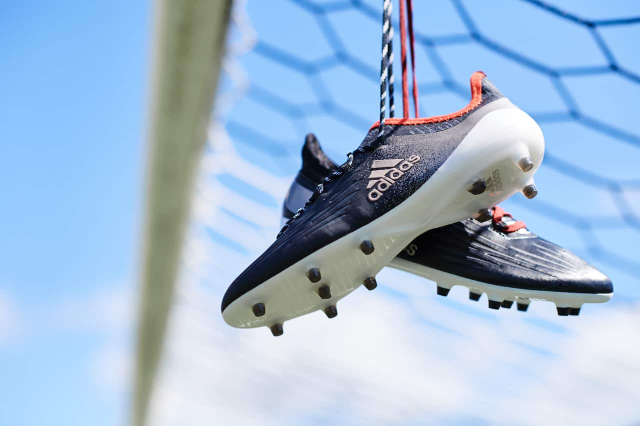 chaussures-football-adidas-mettalic-shimmer-x-16-img3