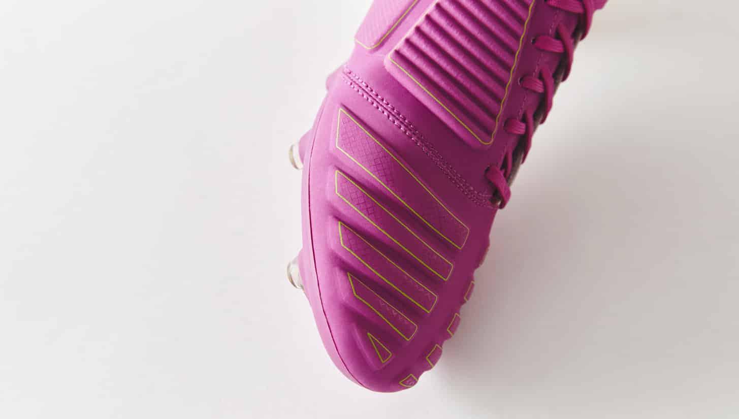 chaussures-football-umbro-ux-accuro-violet-vert-citron-img1