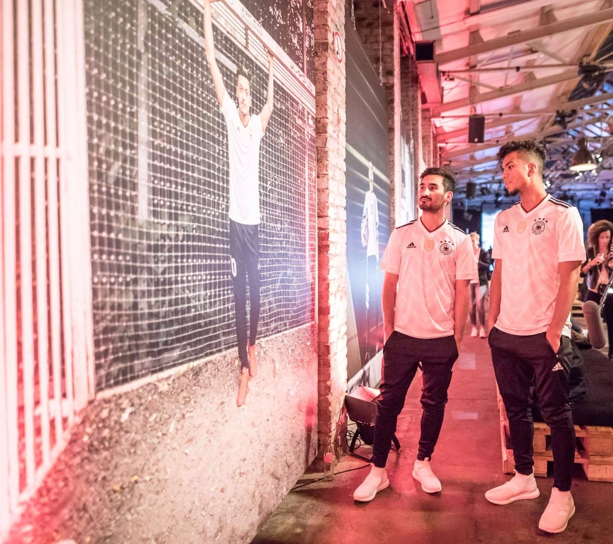 maillot-foot-allemagne-2017-home-lancement-img4