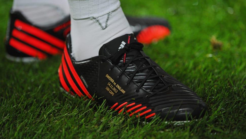 steven-gerrard-adidas-predator-lethal-zones-2012