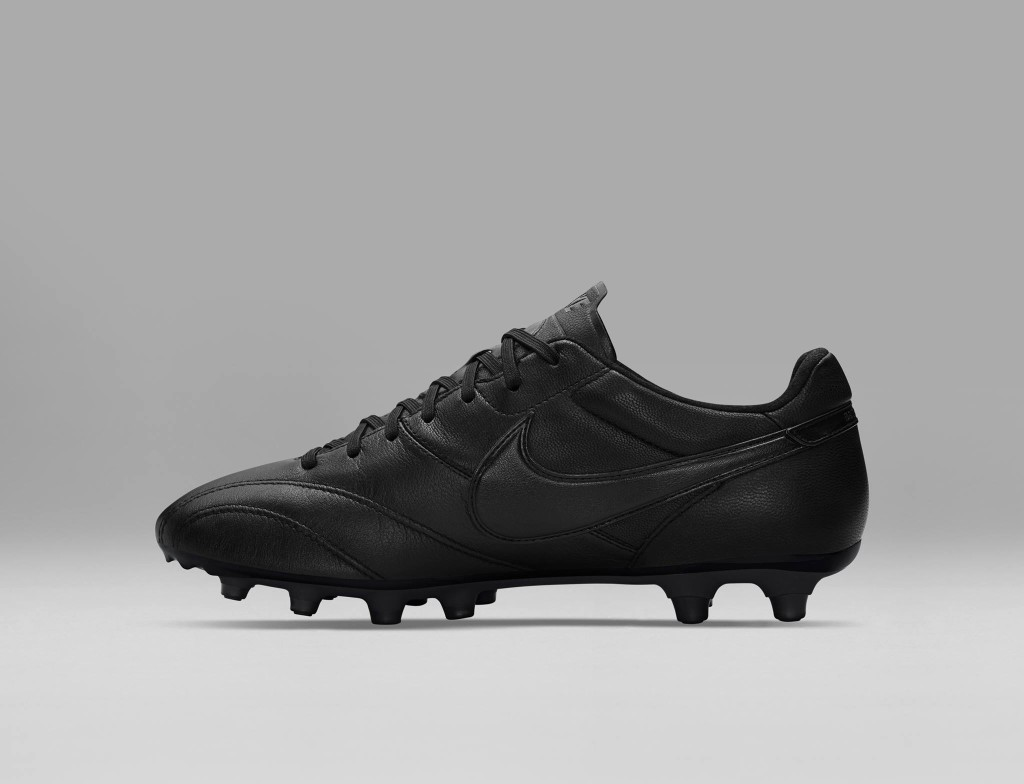 chaussure-football-nike-tiempo-premier-blackout-2
