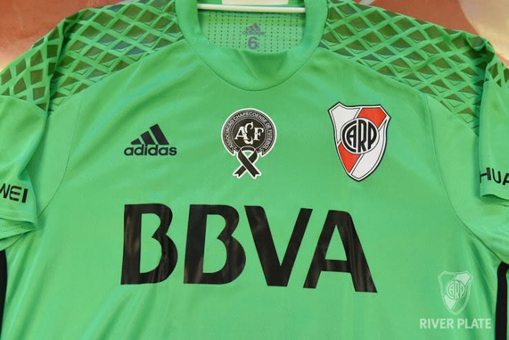 maillot-football-special-river-plate-vert-chapecoense-img1