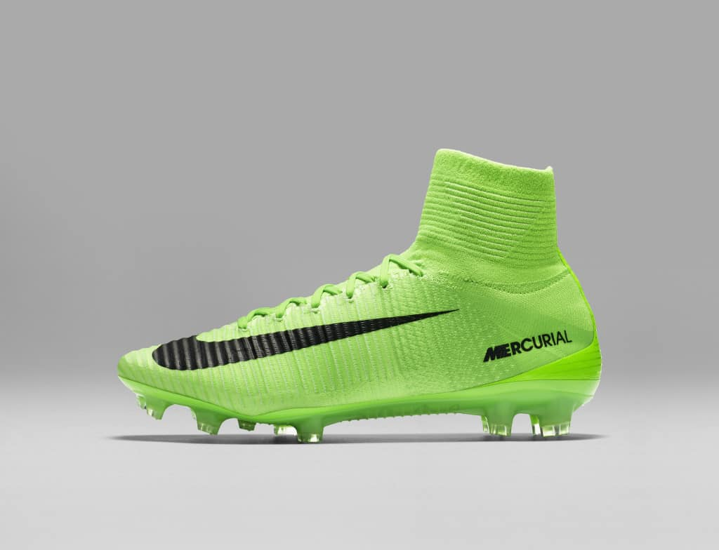 chaussures-football-Nike-Mercurial-Superfly-V-Men-Radiation-Flare-img2