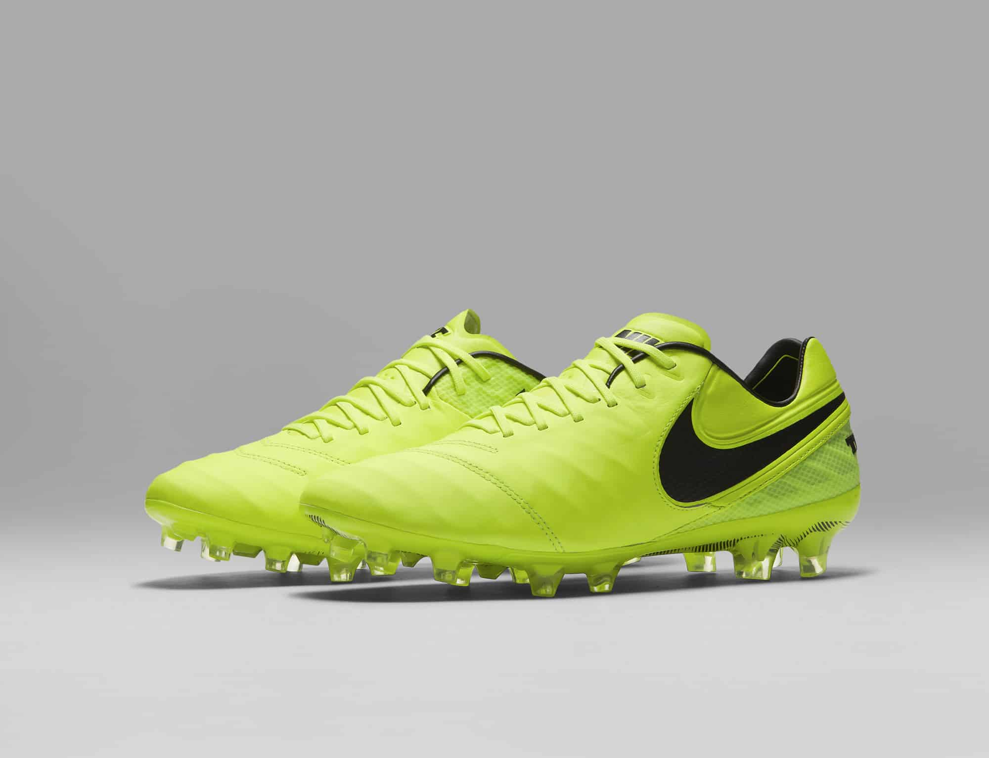 chaussures-football-Nike-Tiempo-Legend-6-Femmes-Women-Radiation-Flare-img3