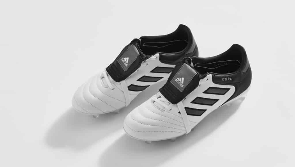 L'adidas Gloro est bien de retour dans un coloris BlancNoir