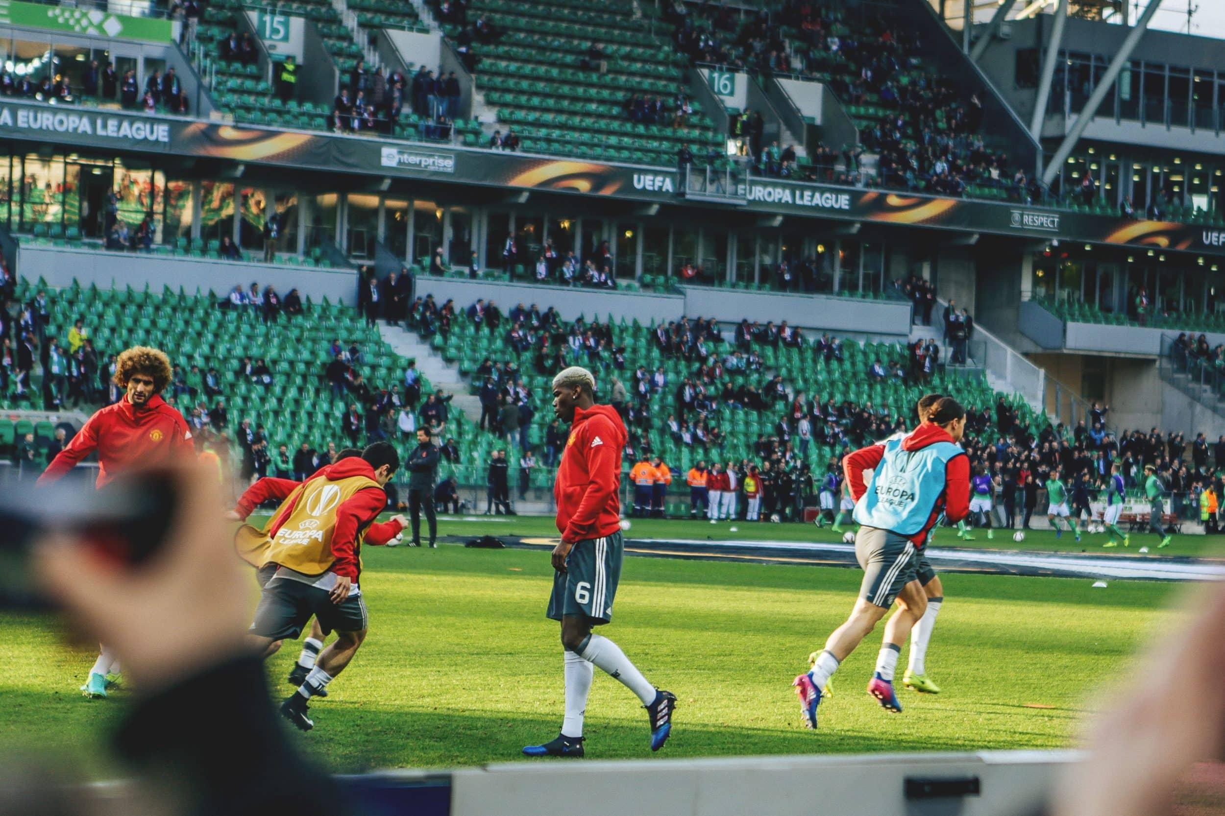 au-stade-geoffroy-guichard-asse-manchester-united-europa-league-16-min