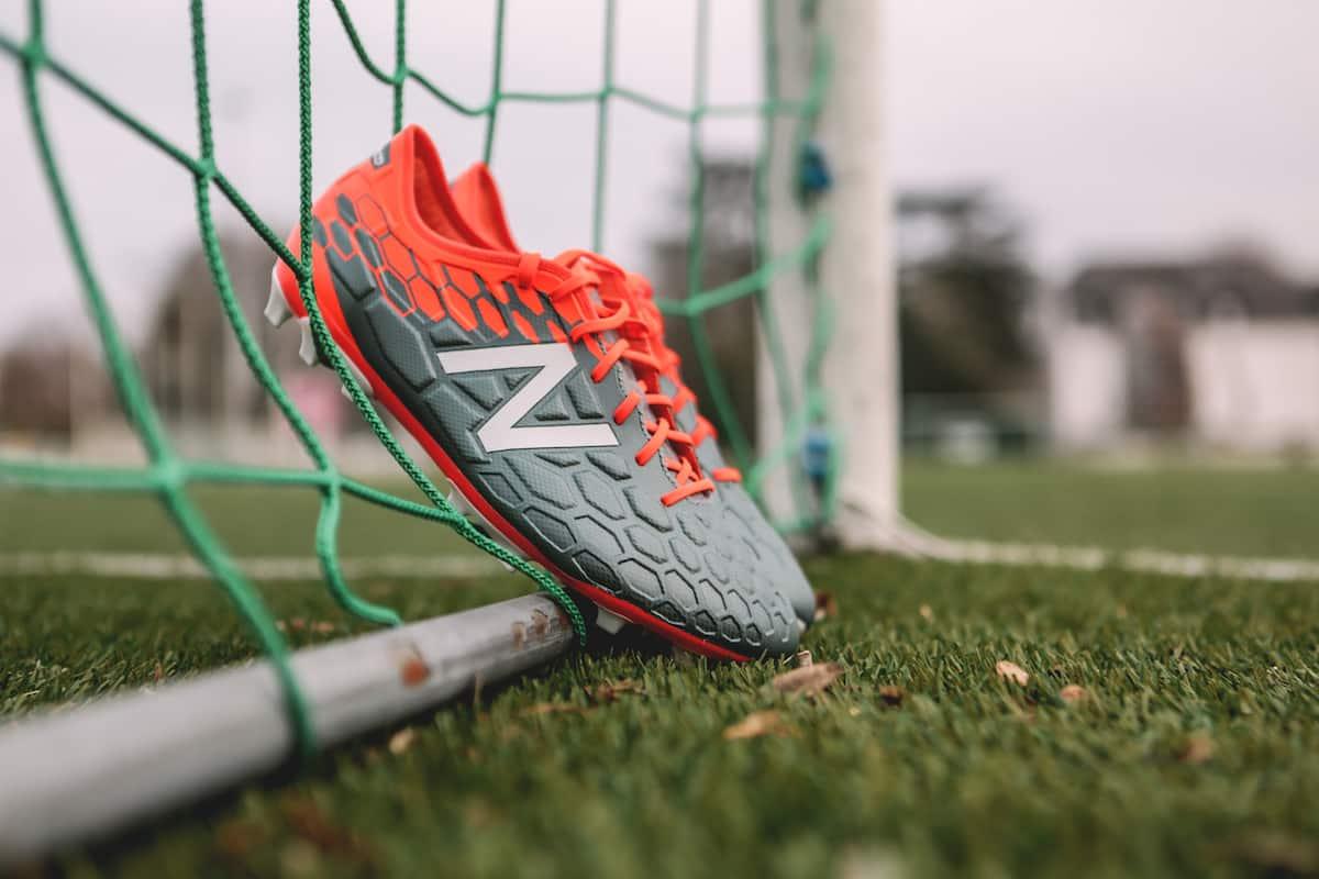 chaussures-football-New-Balance-Visaro-2-Typhon-img12