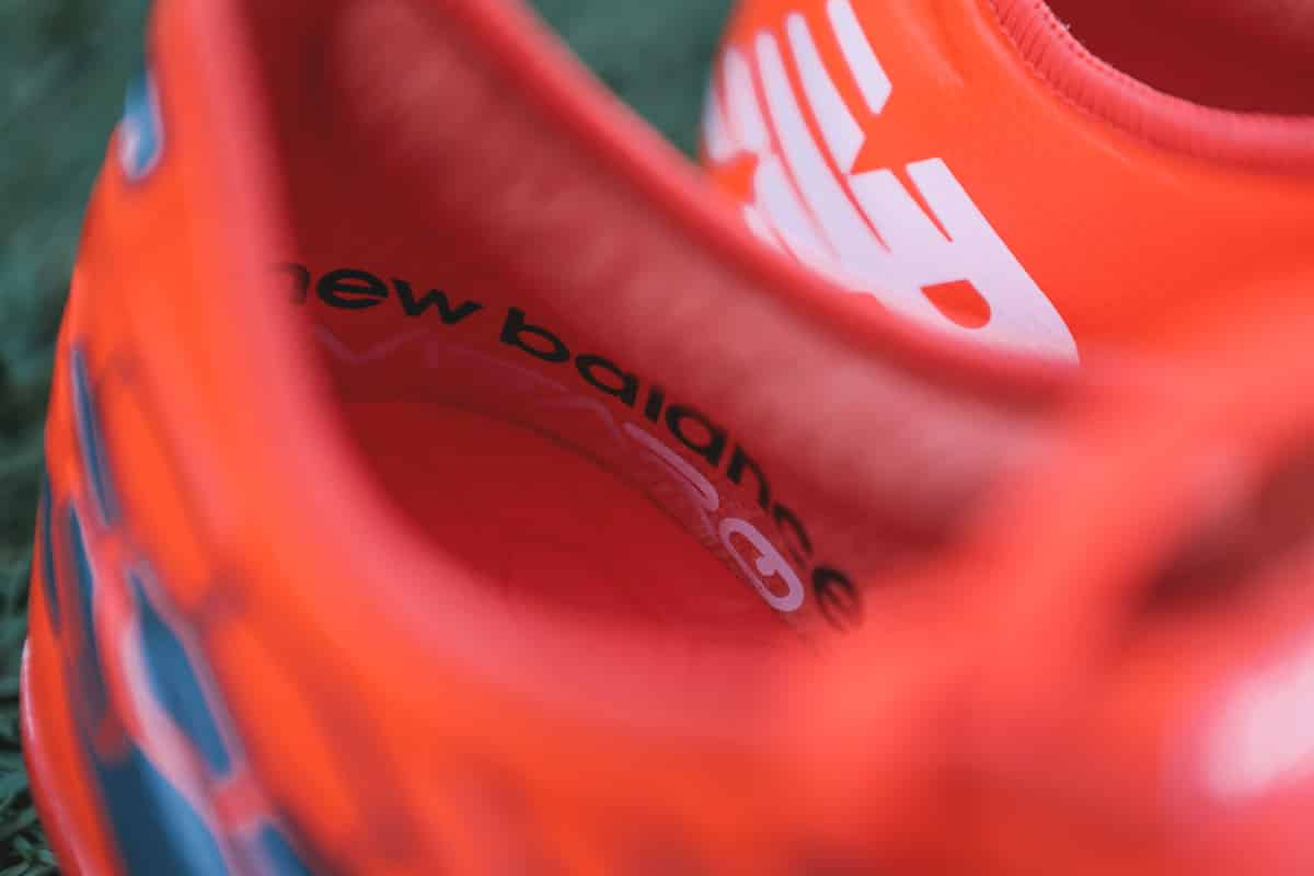 chaussures-football-New-Balance-Visaro-2-Typhon-img5