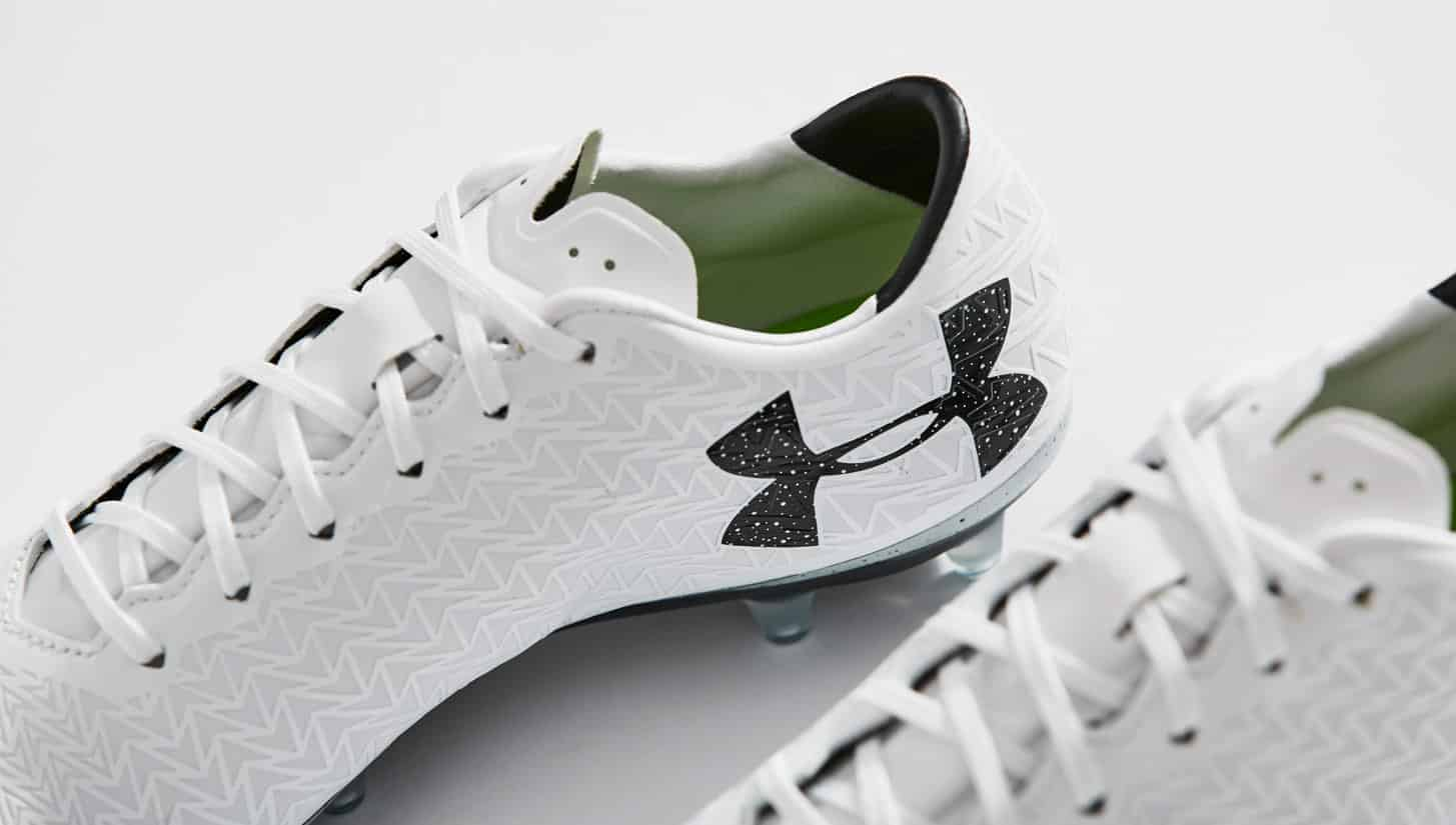 chaussures-football-Under-Armour-clutchfit-3-0-blanc-noir-img4