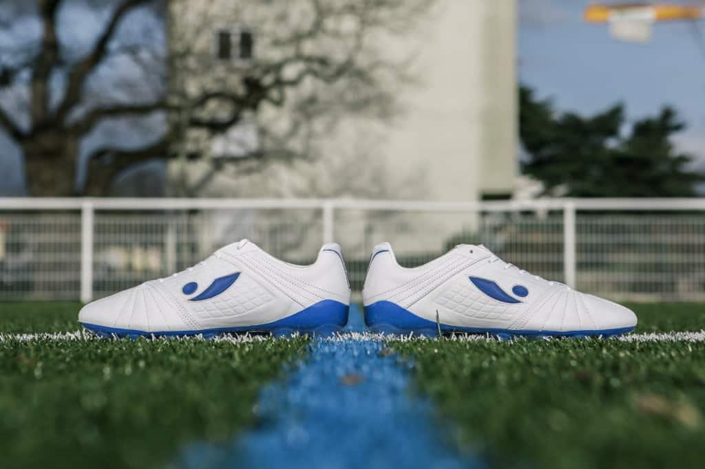 chaussure-football-concave-aura-mars-2017