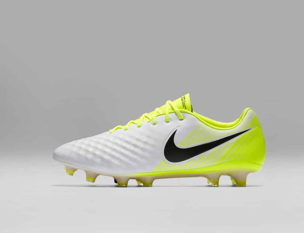 chaussure-football-nike-magista-opus-2-nouvelle-empeigne