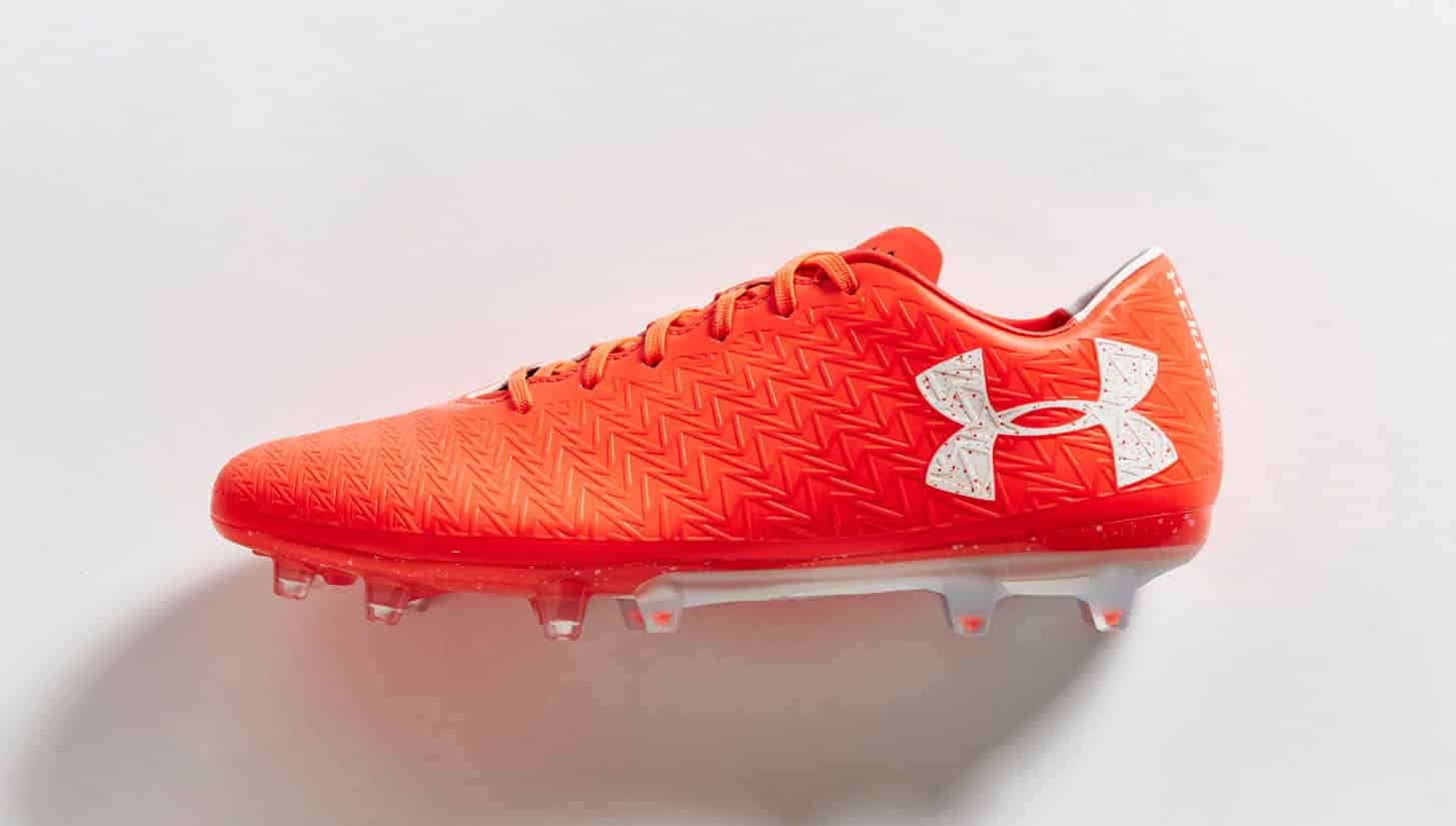 chaussures-football-under-armour-clutchfit-3-red-neon-coral-img3