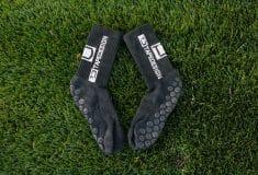 Image de l'article Test et avis sur les chaussettes de foot Tape Design