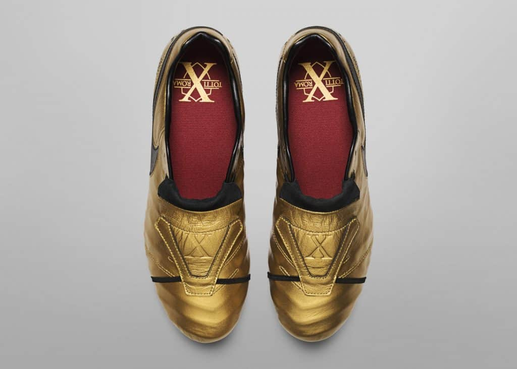 chaussure-foot-edition-limitee-nike-tiempo-totti-25-ans-as-roma-2