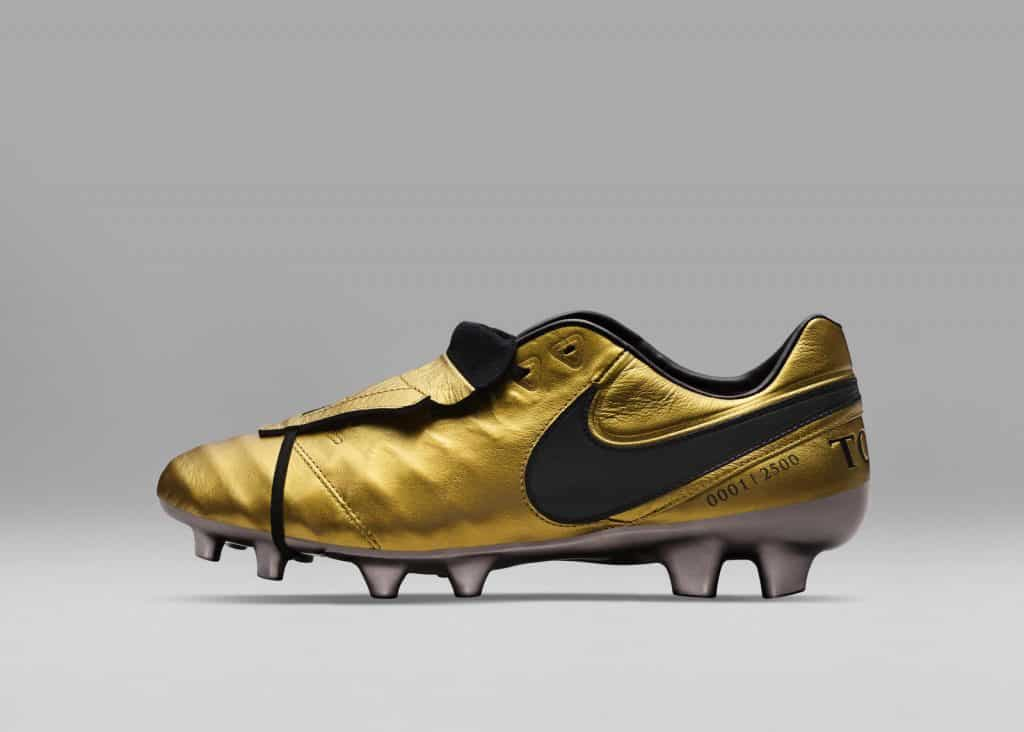 chaussure-foot-edition-limitee-nike-tiempo-totti-25-ans-as-roma-6