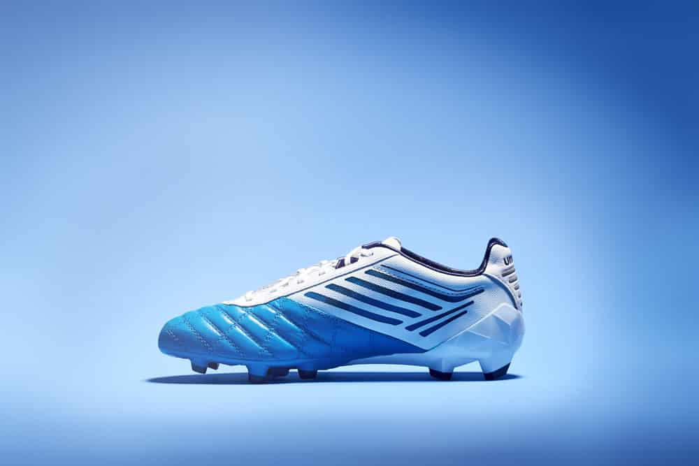 chaussure-umbro-medusae-diva-blue-astral-aura-white