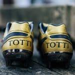 Les chaussures de foot de … Francesco Totti