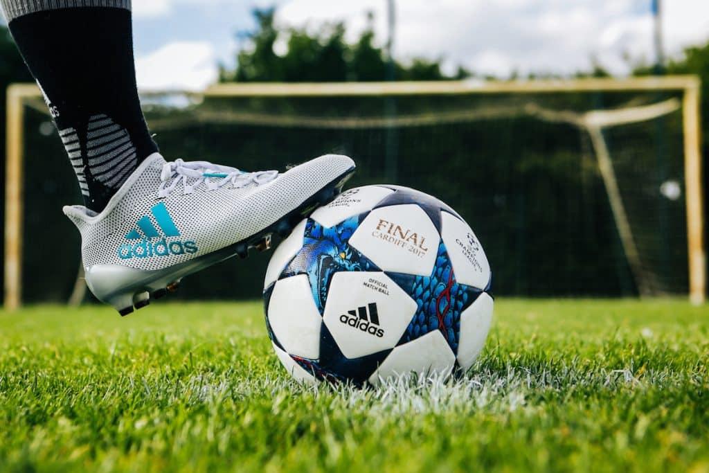 chaussures-football-adidas-X17-img2
