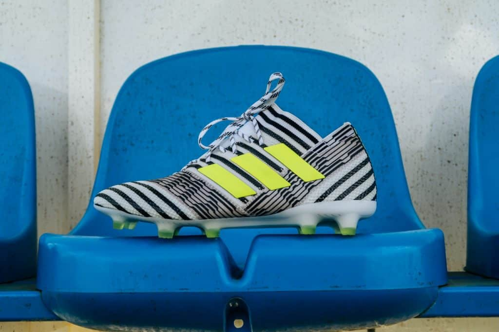chaussures-football-adidas-nemeziz-17-1-img5