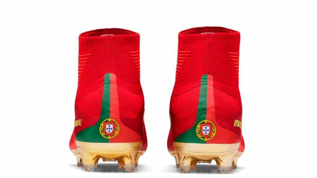 chaussure-footbal-special-portugal-cristiano-ronaldo-cr7-mercurial-campeoes-2017