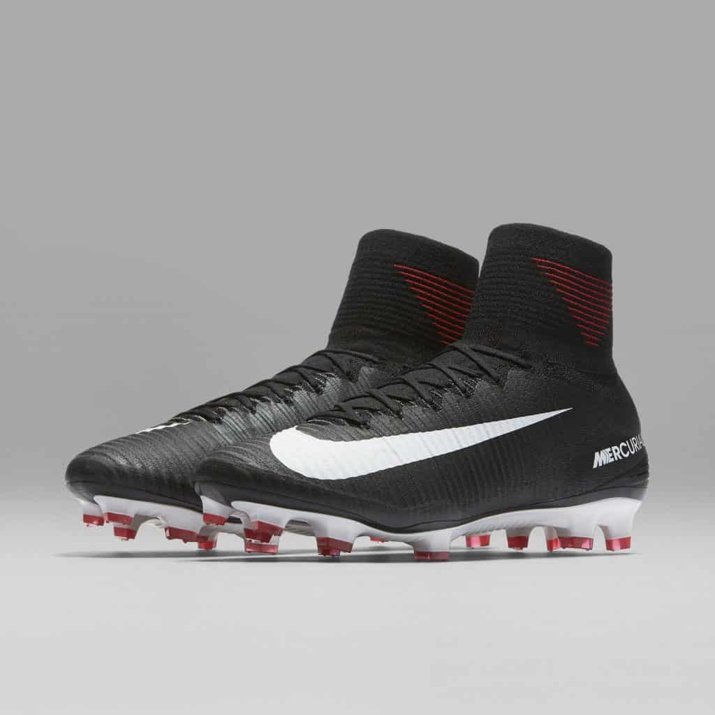 chaussure-football-nike-mercurial-pitch-dark-juin-2017-2